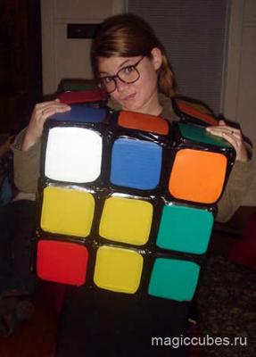 В виде кубик рубика подходит как