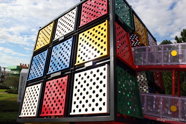 magiccubes.ru_объекты в виде кубика Рубика в парке Disney's Pop Century Resort