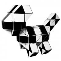 головоломка Супер-Змейка 108 сегментов / 185 см бело-чёрная с квадратным сечением